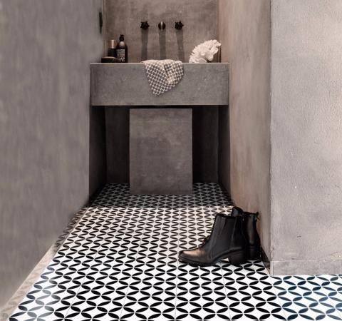 Ronda black vinyl flooring