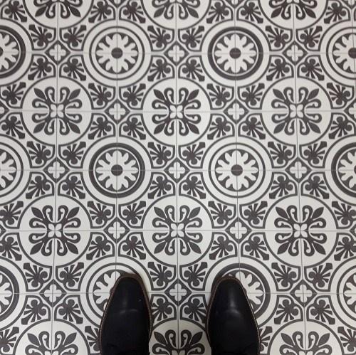 Vinyl floor tiles Tangier