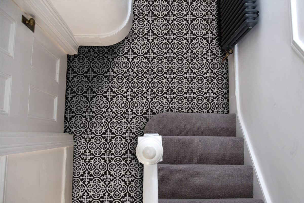 House entrance hall with period feature victorian tiles